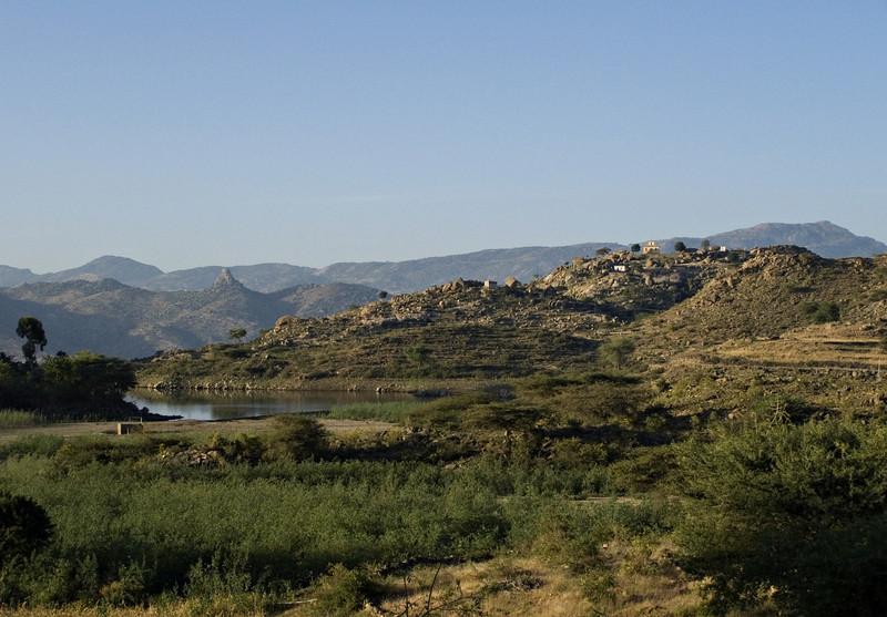 Road to Debre Sina, near Elabored