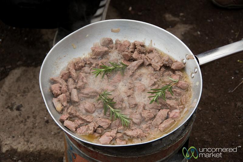 Cooking Ethiopian Food, Tibs (Beef with Rosemary) - Lalibela, Ethiopia