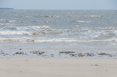 Sadly lots of garbage on the beaches...