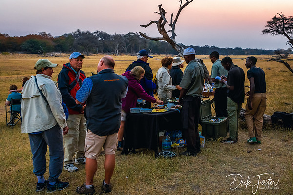 Sundowner for Apetizers and Drinks