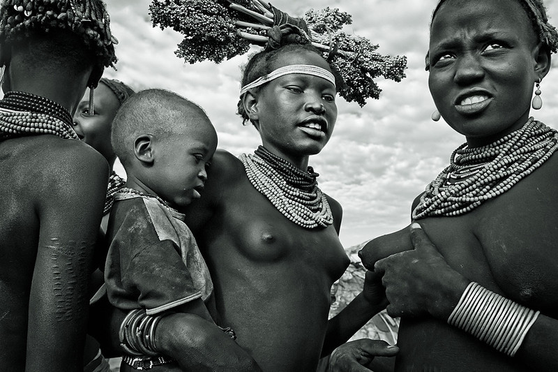 Young Dasanech mothers and child. Omorate, Ethiopia