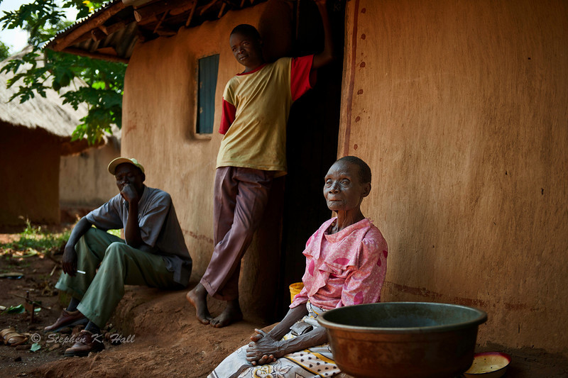 Family meeting. Rural health initiative. Ugenya, Kenya