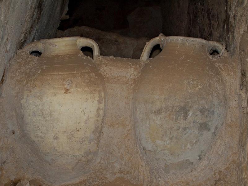 Storage jars, Nalut