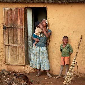 Malagasy Mom and Children of Tsahabe