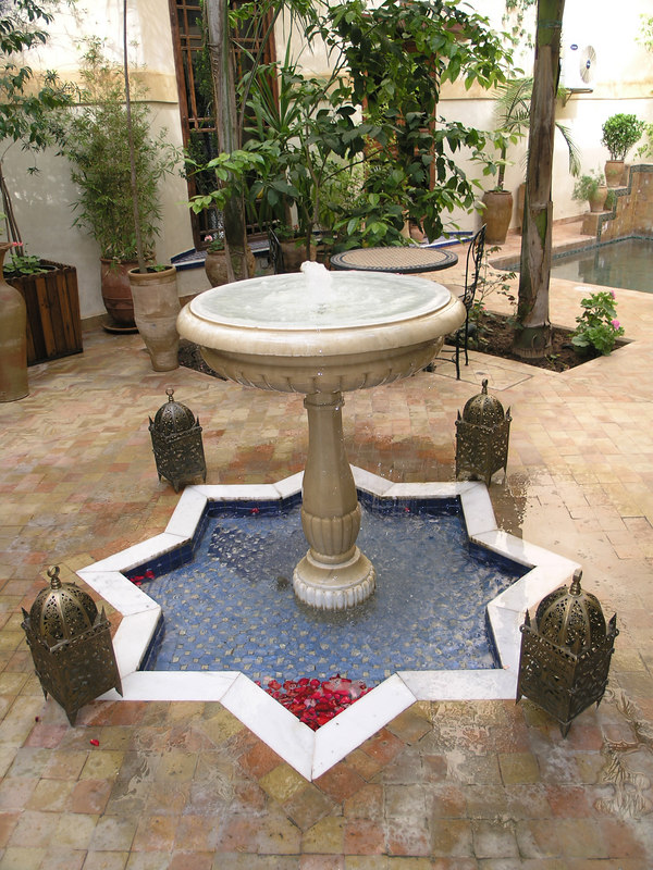 Riad Fes - Fountain at the Breakfast courtyard