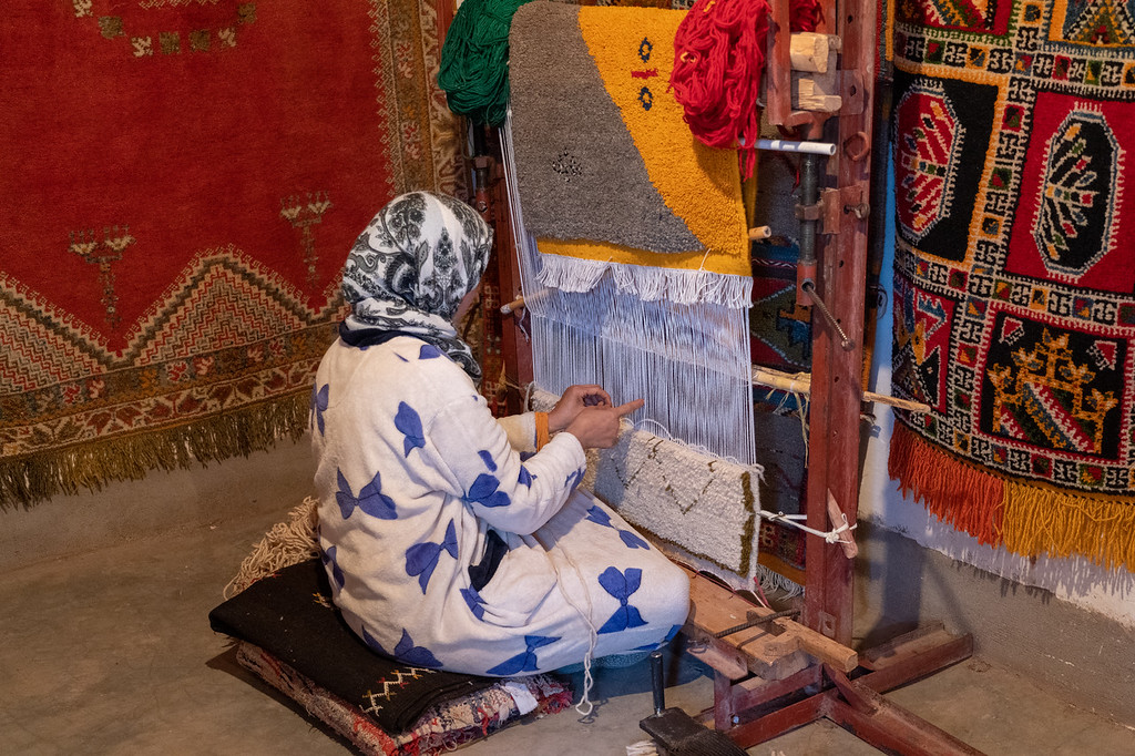 Carpet making in Morocco