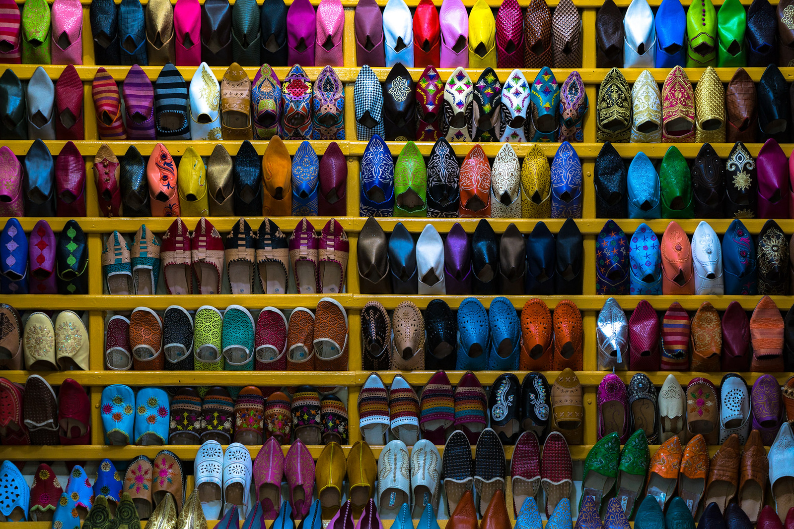 Moroccan shoes in bright colors - cycling vacation and photography tour with Kevin Wenning