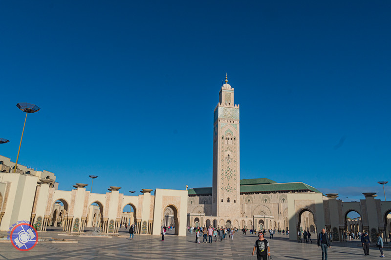 Hassan II Mosque with It's Imposing Minaret (©simon@myeclecticimages.com)