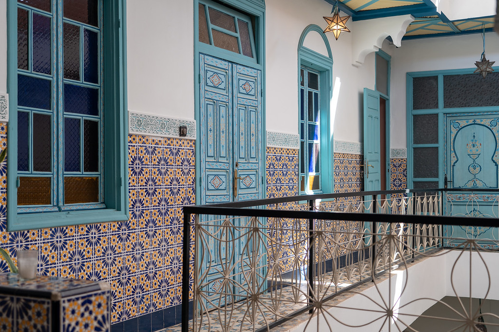 Riad BE tiles and doors