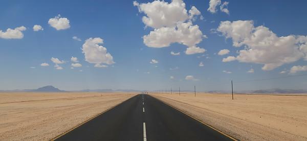 B4 highway between Lüderitz and Aus, easterly direction