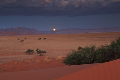 Namib Naukluft Park moonrise