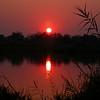 Za 3998 opkomende zon boven Okavango Rivier