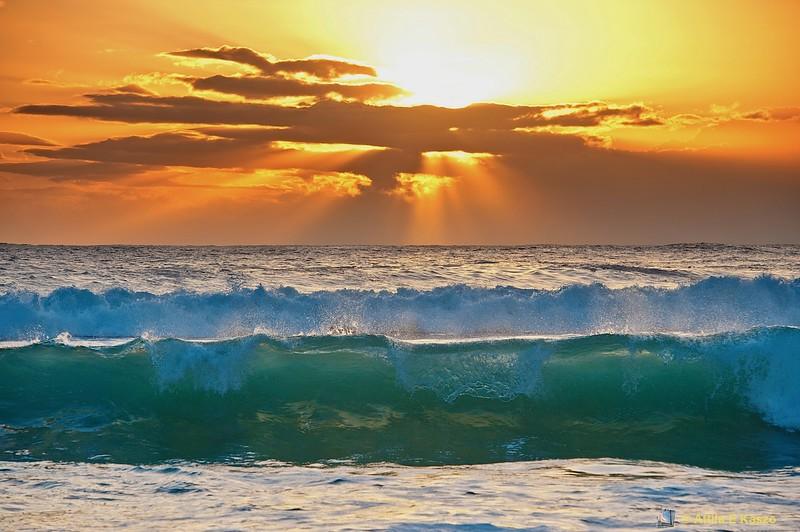 Waves - Hermitage Beach, St Gilles
