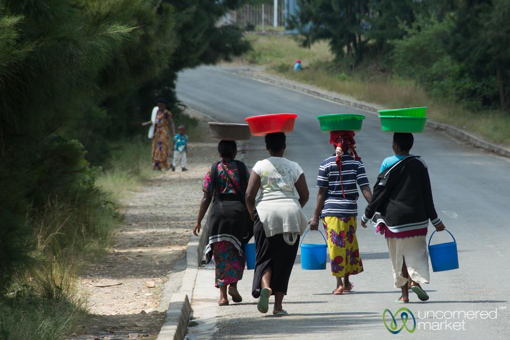 Balancing Baskets on Head - Kibuye, Rwanda
