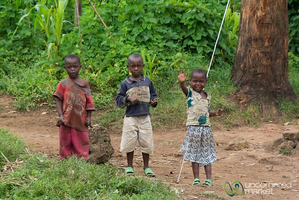Rwandan Kids, Waves on the Road - Musanze