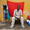 ARKIV 060803 -Sumailaa Koroma, young photographer and his sidewalk studio.   Bo is Sierra Leone's second largest city and is in the heart of Mende country. The area is rich in diamonds and suffered greatly during the recent civil war.<br /> Bo, Sierra Leone<br /> Foto: Christopher Herwig - Kod 9266