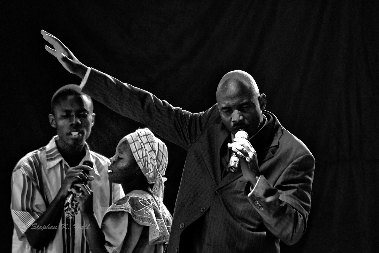 Sunday service,Pastor Nelson Lufafa, Agape Children's Home. Mafubira, Uganda (Lead)