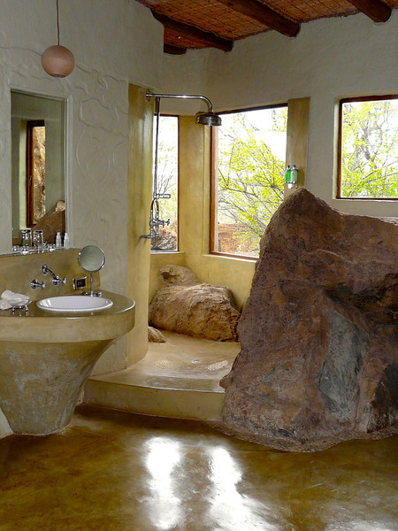 rock-shower-madikwe