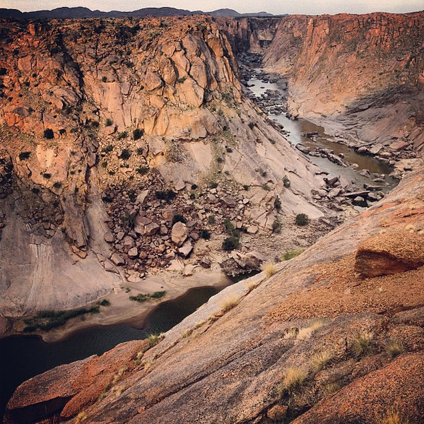 A river runs through it. Gorgeous gorges. Augrabies National Park. Northern Cape #SouthAfrica