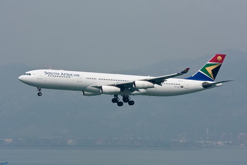 ZS-SXC Airbus A340-313E South African Airways c/n 590 Hong Kong-Chek Lap Kok/VHHH/HKG 20-11-10