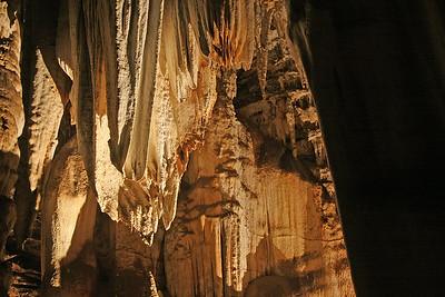 Spectacular stalactites in Wonder Cave