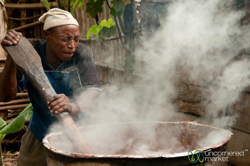 Brewing Banana Beer - Mto wa Mbu, Tanzania