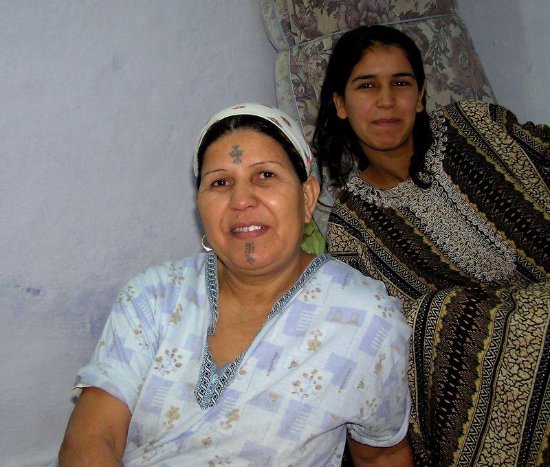 Mother and daughter, Kairouan, Tunisia