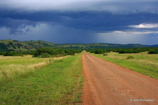 Main road to Murchison NP with storm rolling in