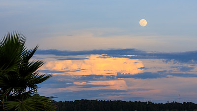 Moonrise on the shore of Lake Victoria, Uganda