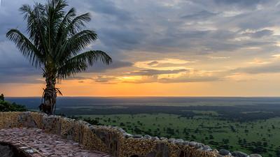 Sonnenuntergang über dem QENP, Kichwemba, Uganda
