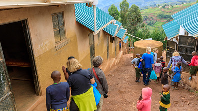 Schlafräume in der Community Little Angels Orphanage School, Ruhija, Uganda