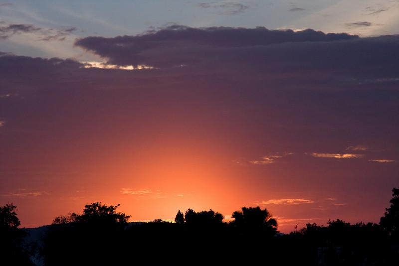 Sunset over Jinja town.<br /> <br /> Location: Jinja, Uganda<br /> <br /> Lens used: 100-400m f4.5-5.6 IS