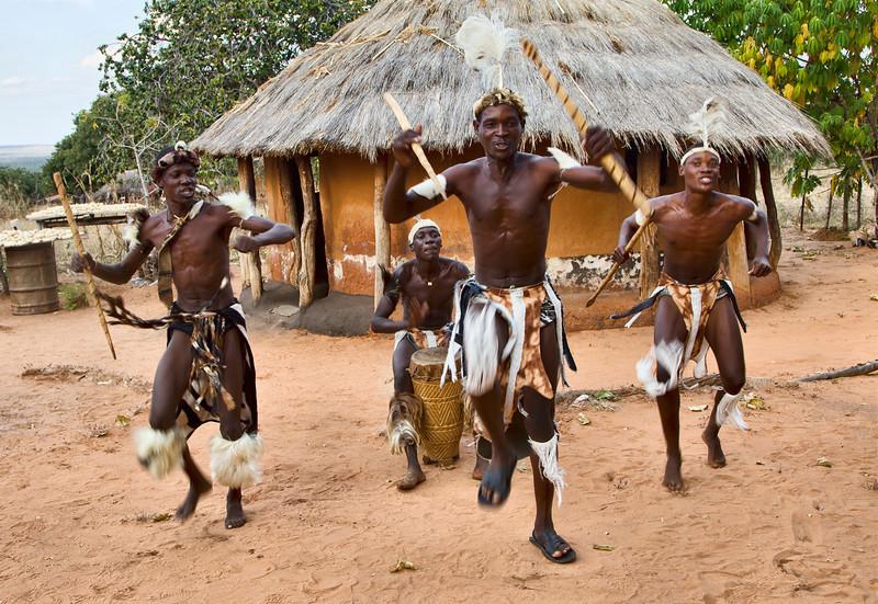 Zuu warriors dancing