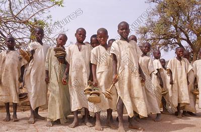 Benjimatong village,dorp,vilage,Circumcision preparation,voorbereiding besmijdenis,préparation Circoncision