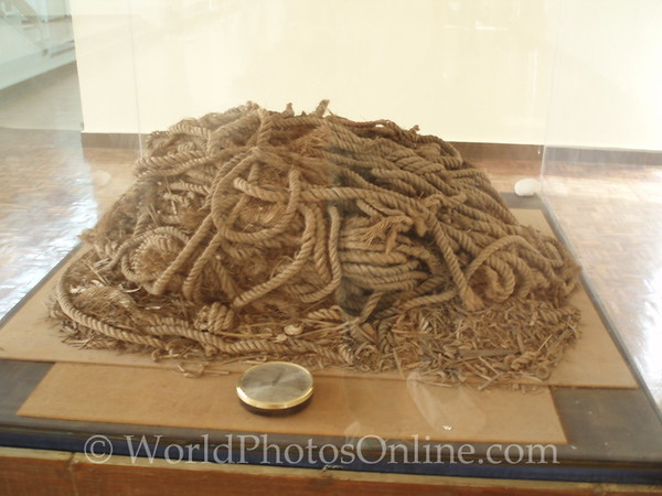 Cairo - Giza - Solar Boat Museum - 4000 year old rope