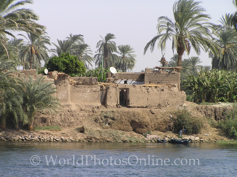 Nile River - Living on the Nile 2 - Note Satellite dishes