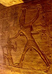 Ramses II dreper nubisk fange (Foto: Ståle)