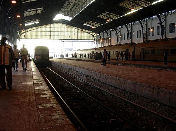 Inne i Misr jernbanestasjon (Foto: Ståle)