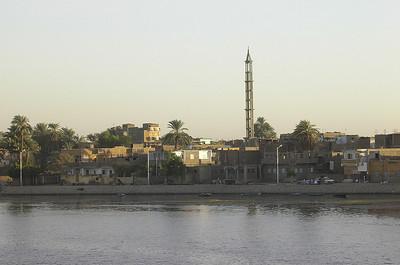 Minaret ved innseilingen til Luxor (Foto: Ståle)