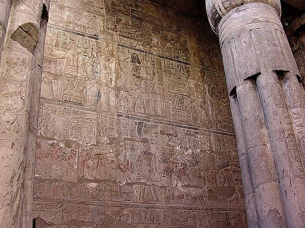 Hieroglyfer i Luxortemplet (Foto: Ståle)