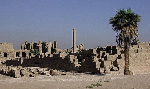 Utenfor Karnak tempelkompleks (Foto: Ståle)