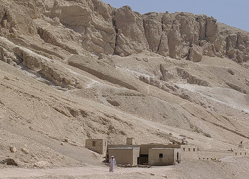Ørkenshus ved Hatsepsuts tempel (Foto: Ståle)