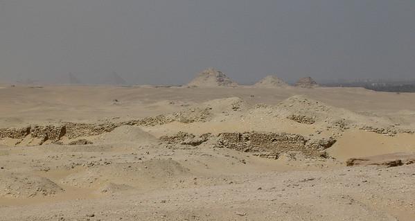 Gizas pyramider sett fra Djosers gravkompleks (Foto: Ståle)