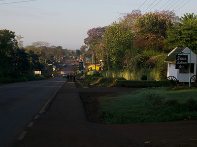 The Embu - Meru road. I used to see this view very holiday. It hasn't really changed that much. (Foto: Geir)