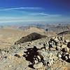 Le cairn marquant le sommet du M'Goun - جبال مكون