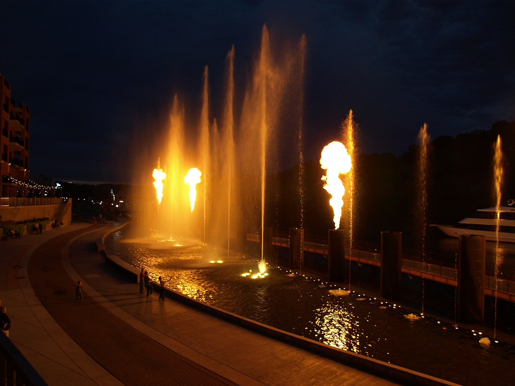 """Evening """"Fountains of Fire"""" show at Branson Landing - Branson MO"""