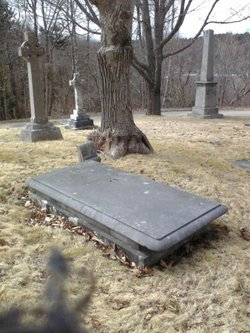 This photo of Chipman's grave is from Find-a-Grave