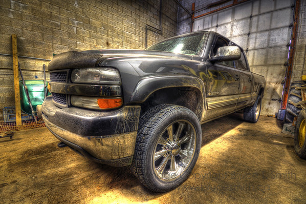 GMC 2500 in HDR