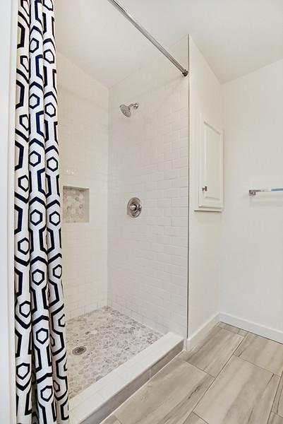 180907HD_Bathroom