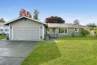 926 12th St SE, Puyallup